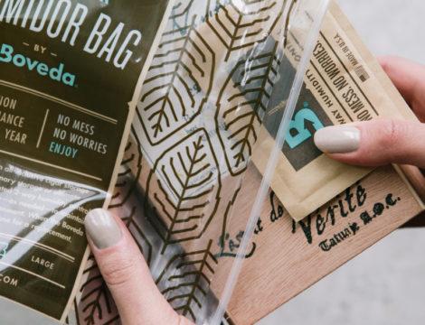 Boveda humidor bag and Boveda