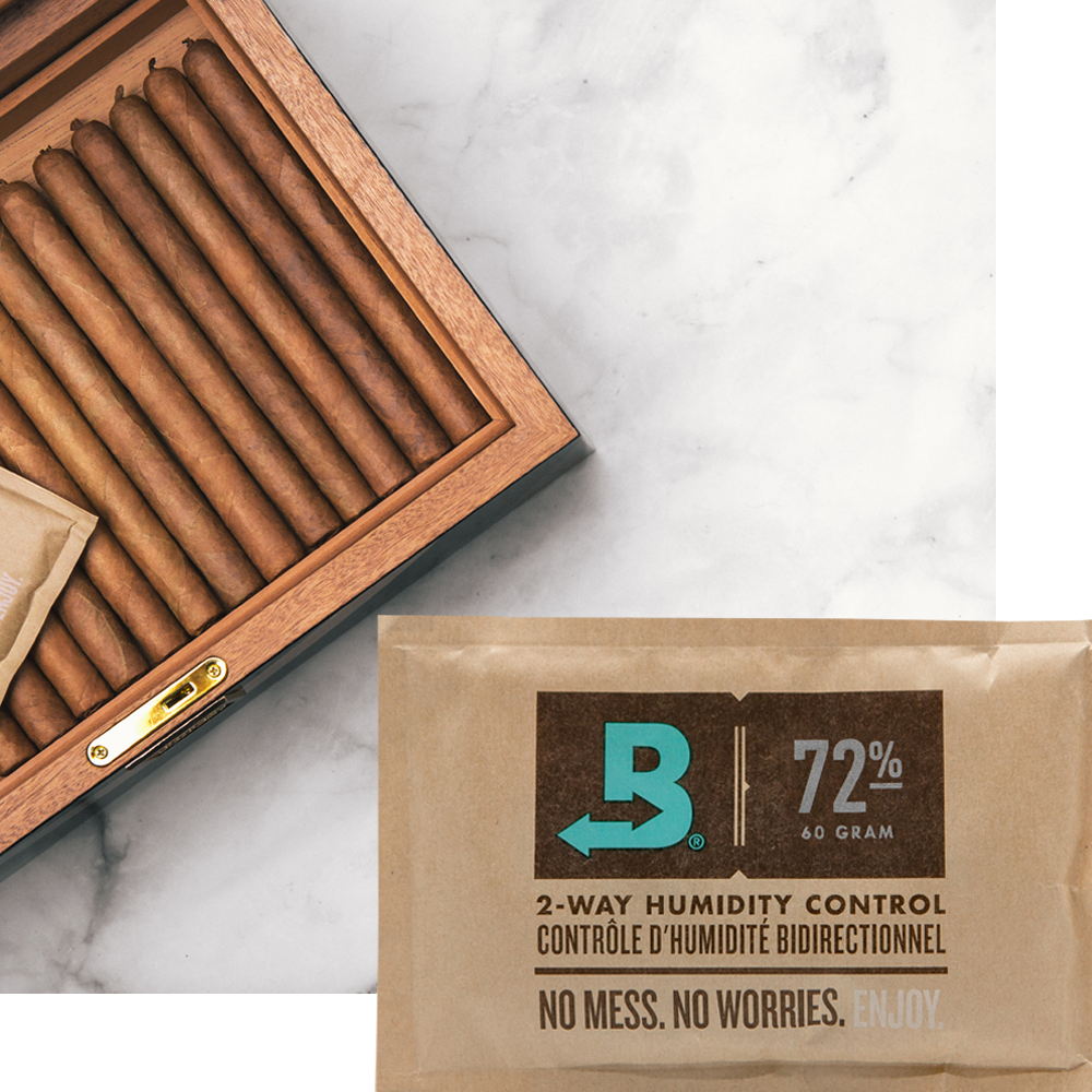 Boveda 72 RH pack and a humidor.