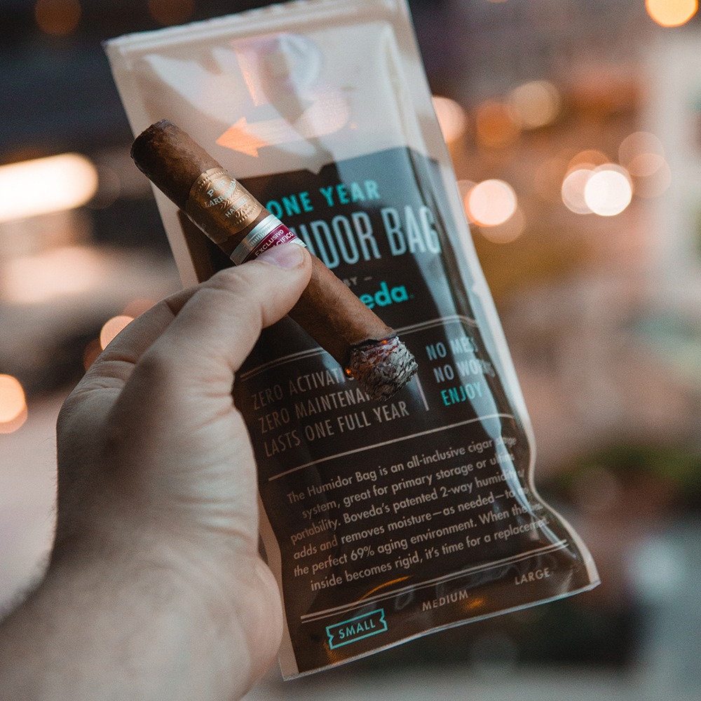 Store up to 5 cigars in the small Boveda Humidor Bag